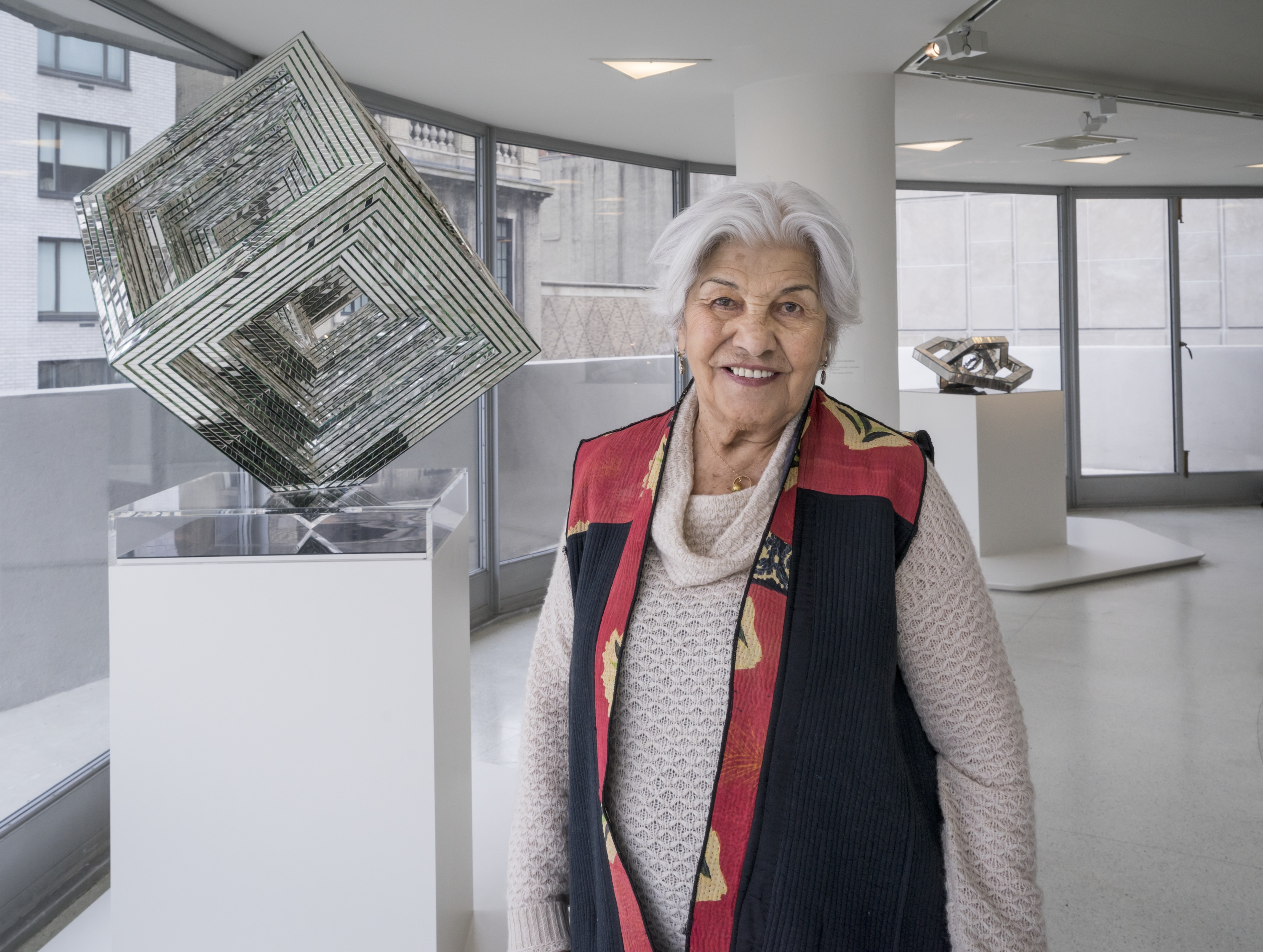 Monir  Farmanfarmaian Photo